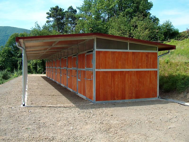 Box per cavalli doria group infissi pvc alluminio for Box cavalli prefabbricati
